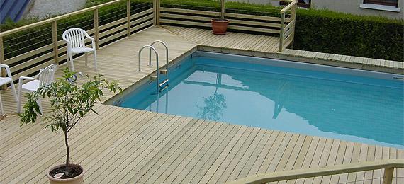 Terrasse bois et entourage piscine dj cr ation for Piscine entourage bois