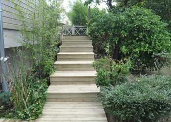 Escalier droit en bois
