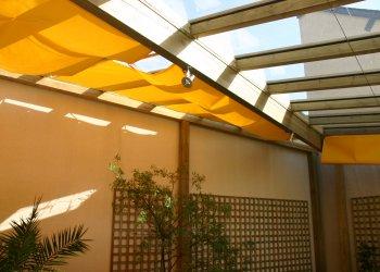 toile d'ombrage jaune