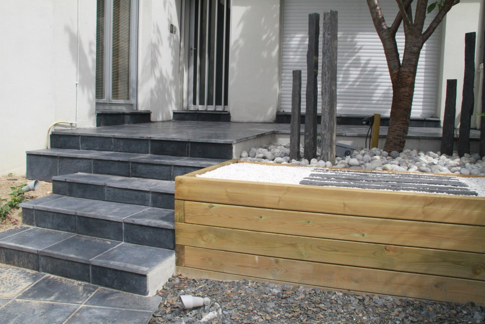 Escalier entr e en carrelage dj cr ation - Amenagement entree de maison exterieur ...