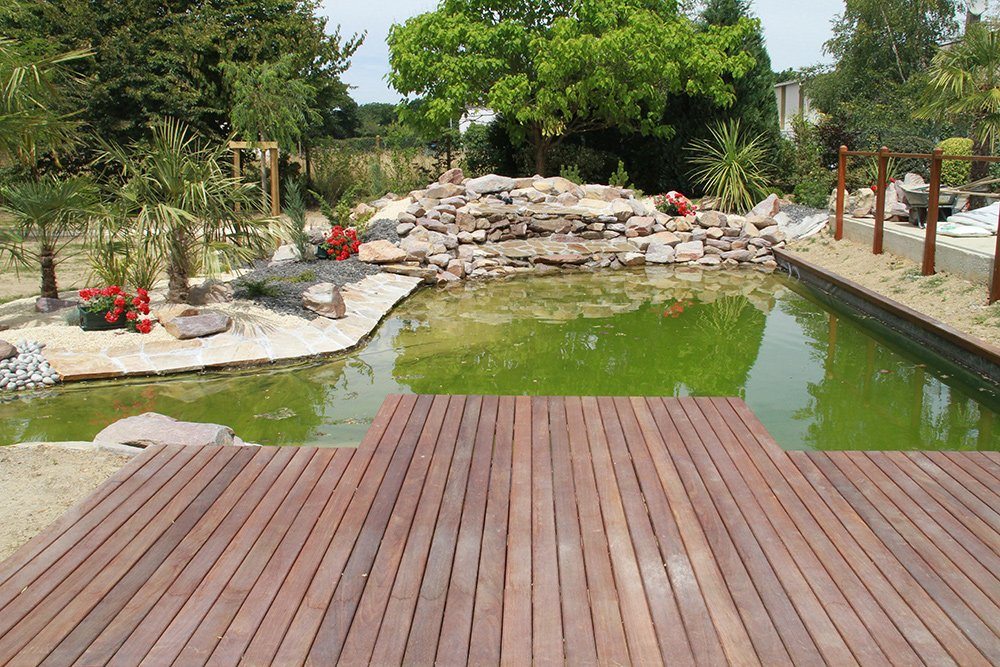 Terrasse sur pi ce d eau dj cr ation for Jardin 50m2 amenager