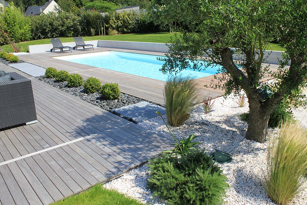 Piscine jardin idees conception paradis accueil design for Jardin piscine deco