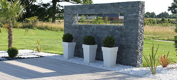 Muret et d coration jardin dj cr ation for Muret bois jardin