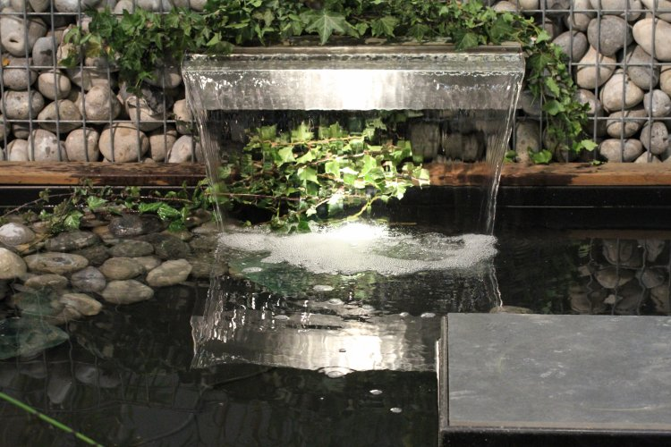Cascade de bassin sur mesure dj cr ation for Conception jardin d eau