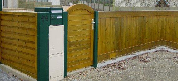 Portail sur mesure en bois dj cr ation for Portail exterieur sur mesure